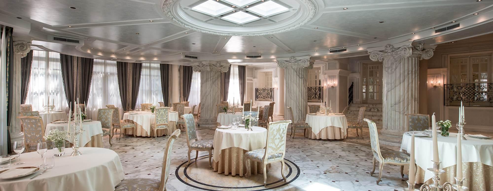 Hotel con ristorante riccione e giardino esterno grand for Grand hotel des bain